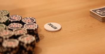 earnings of a casino dealer